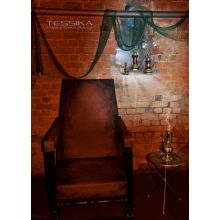 For rent throne big